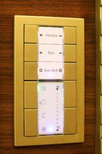 Настенный выключатель 10 клавиш - управление освещением