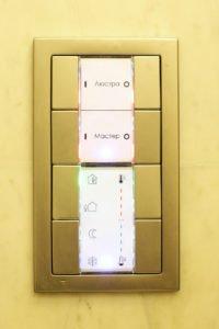 Настенный выключатель 8 клавиш, управление климатом и освещением
